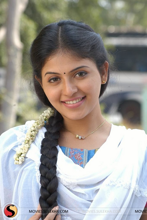Angadi Theru Heroine Anjali Is On Cloud Nine Anjalimovies