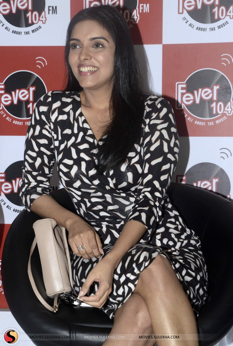 page 6 of asin promotes all is well hindi movie at fever fm, asin