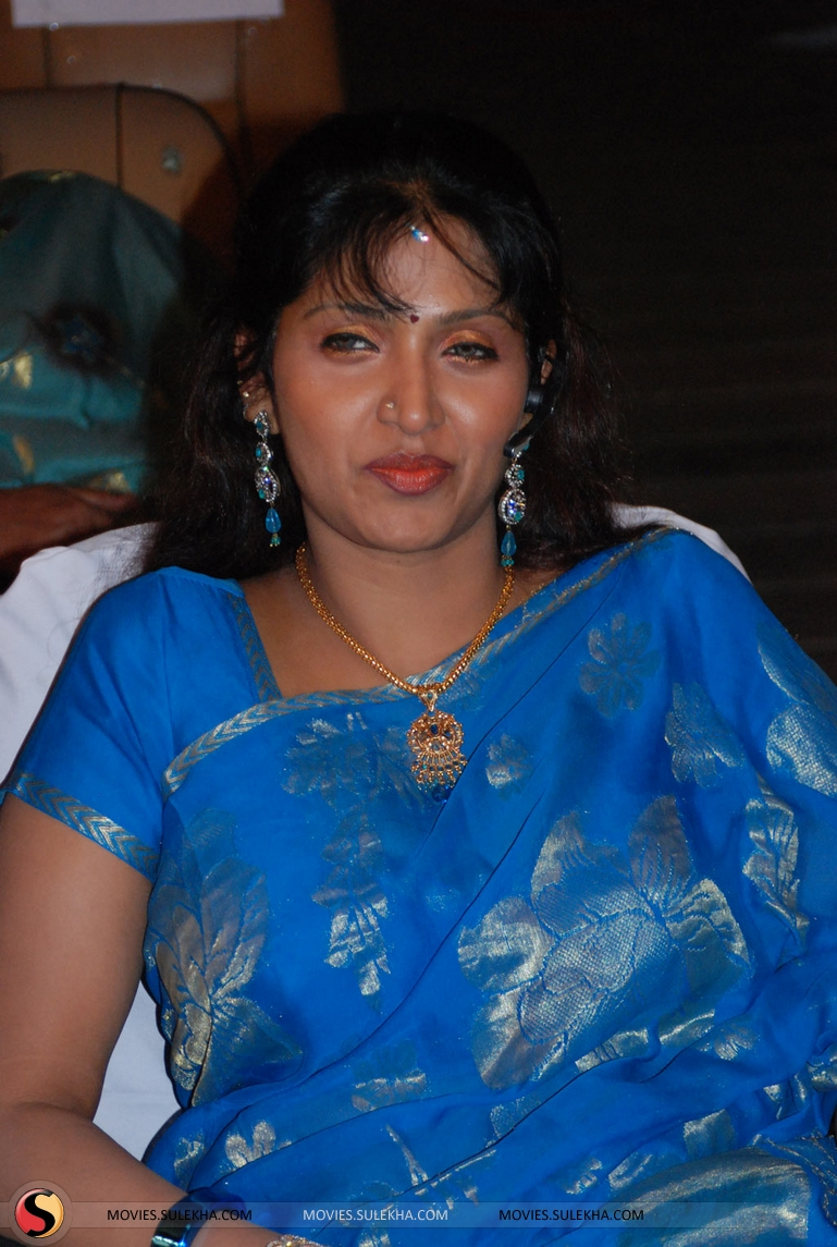 Bhuvaneshwari sexy Fotos
