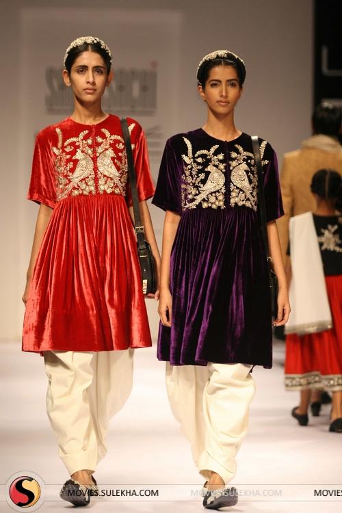 8b1043743e4 Photo 27 of Sabyasachi Mukherjee at Lakme Fashion Week 2011 Day 3 ...