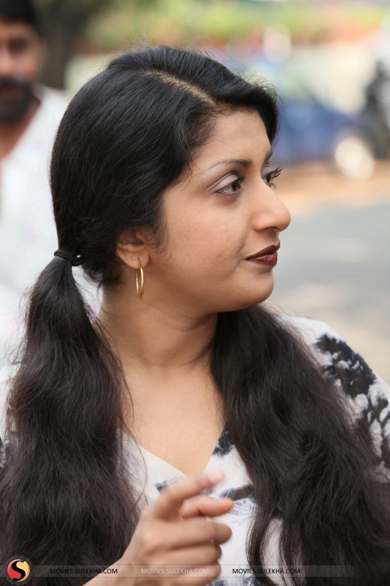 Meera Jasmine Meera Jasmine new picture