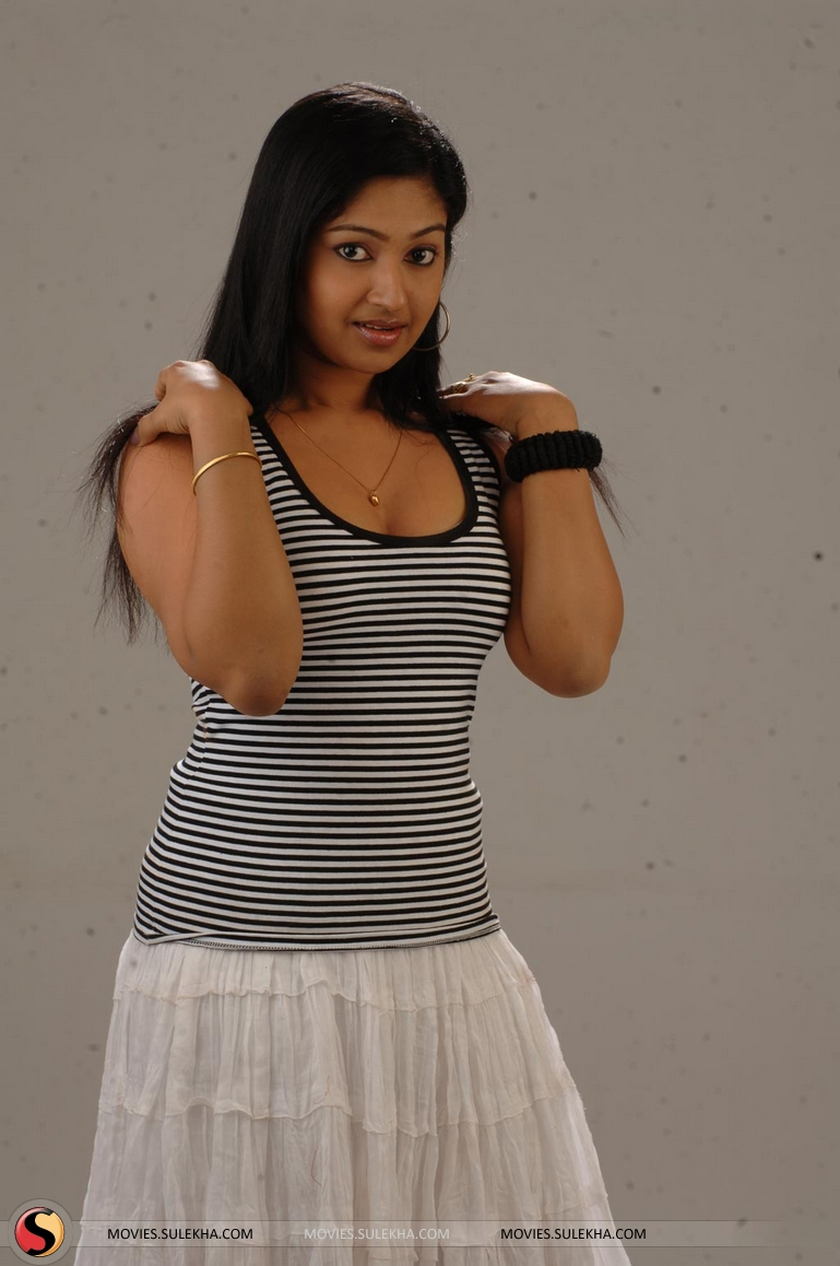Madhura Naik photo