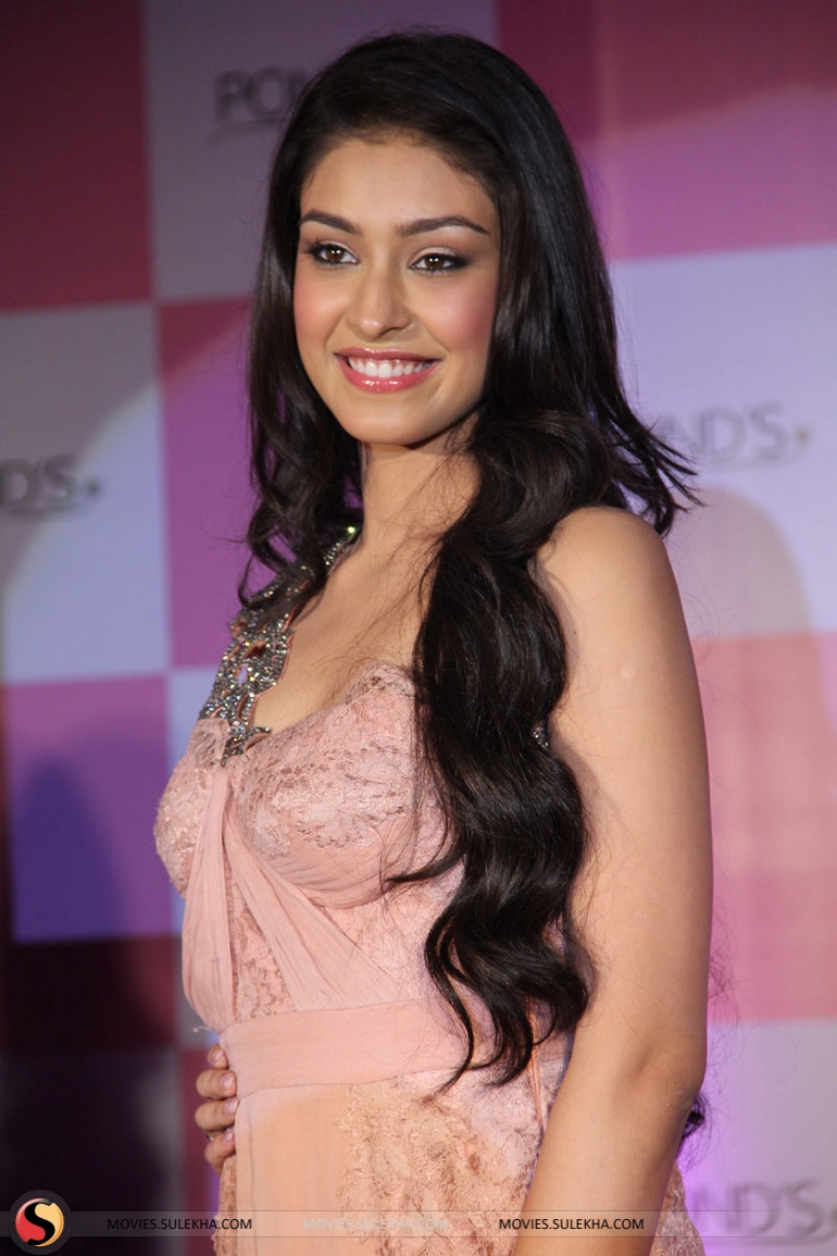 Page 1 Of Miss India Navneet Kaur Dhillon Unveil Ponds Bb Cream