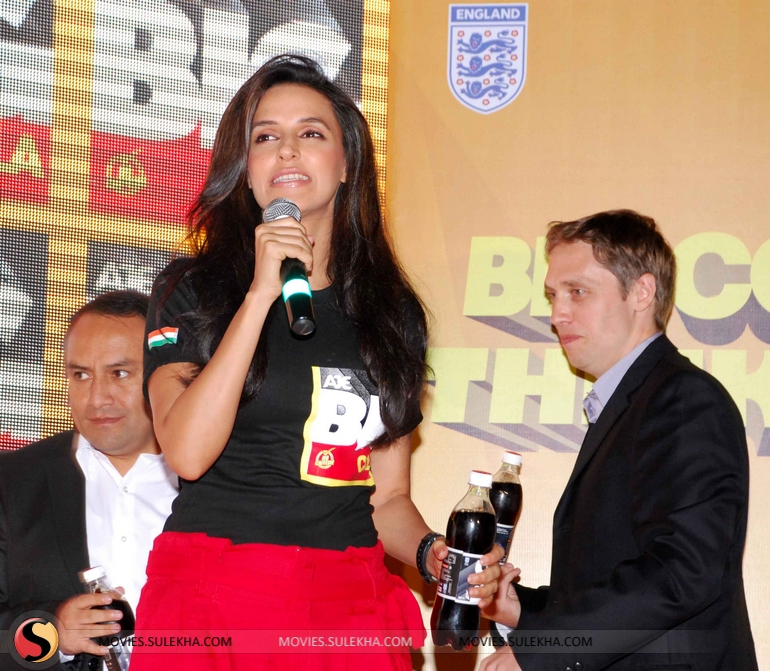 9a1831597facf4 Neha Dhupia Launches AJE Big Cola Pictures 5