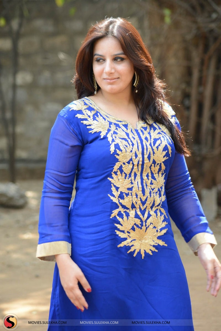 Pooja Gandhi nude (52 foto and video), Tits, Paparazzi, Twitter, legs 2006