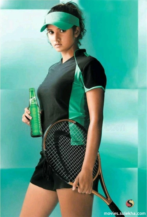 Hot and sexy sania mirza