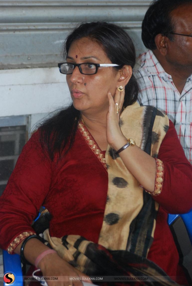 pictures Sukumari