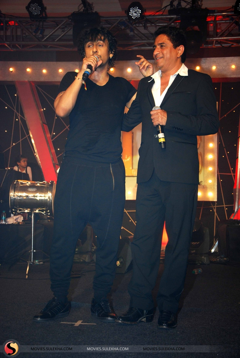 Shahrukh Khan The Magic Of Sonu Nigam Concert Pictures 76
