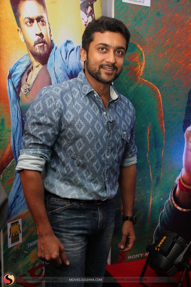 page 3 of surya spotted at anjaan movie press meet, surya spotted at