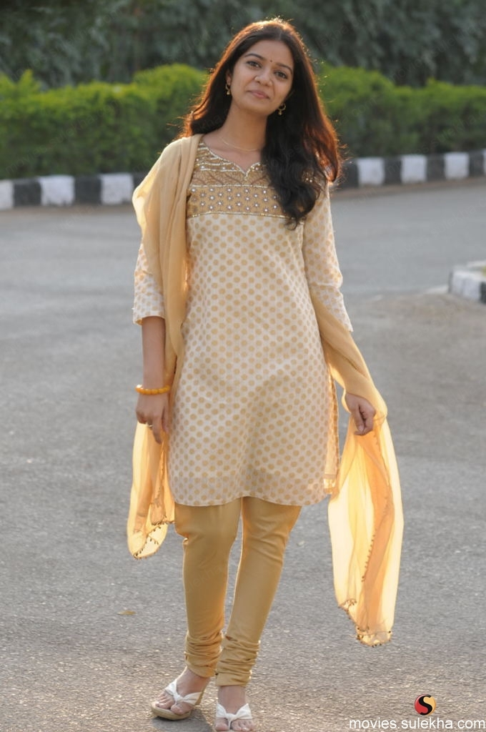 Colours Swathi Reddy actress images High Resolution Images