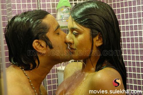 Chukkalanti Ammayi Chakkanaina Abbai Movie Synopisi