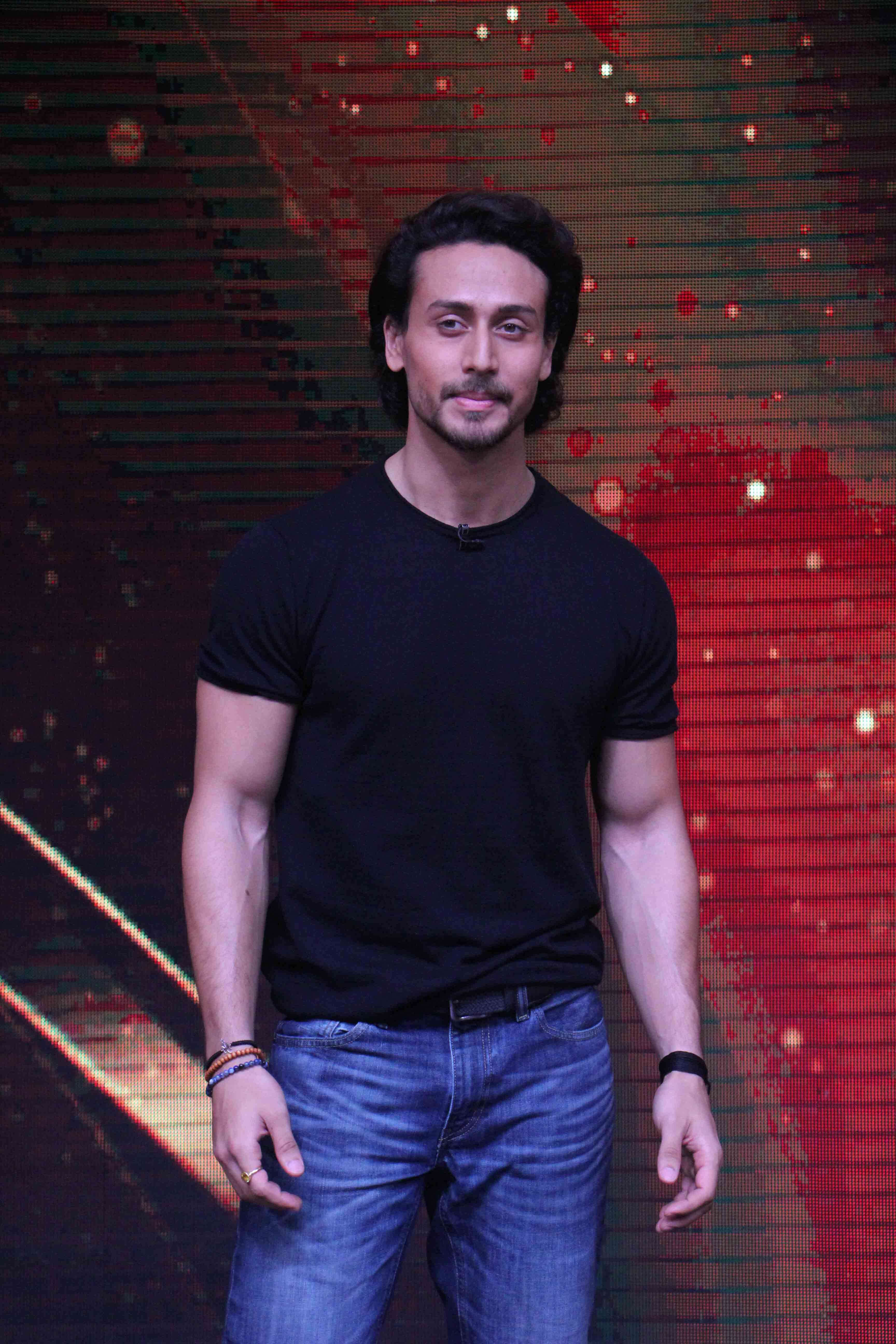Page 1 Of Tiger Shroff Promotes Munna Michael On The Sets Of Sabse