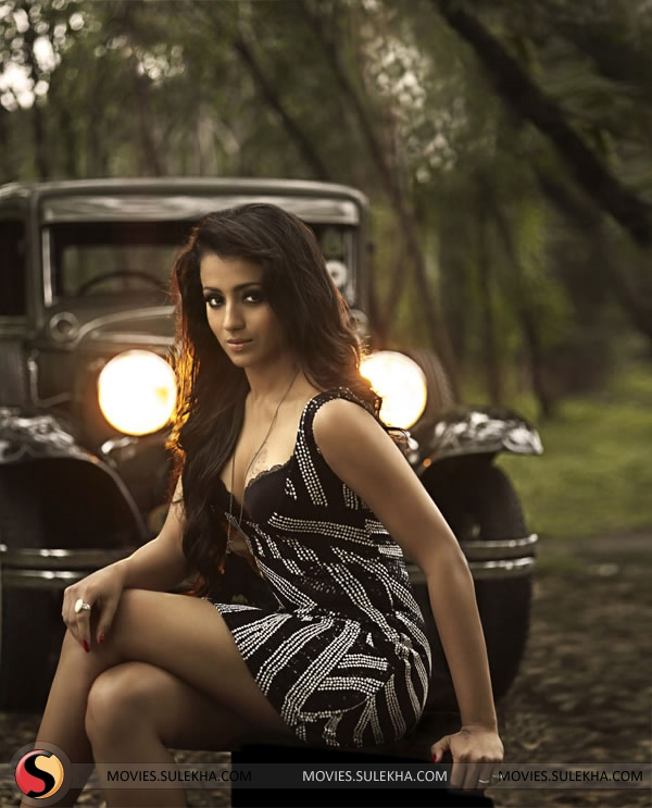 Trisha Hot Photoshoot For 2011 Calendar Pictures 1